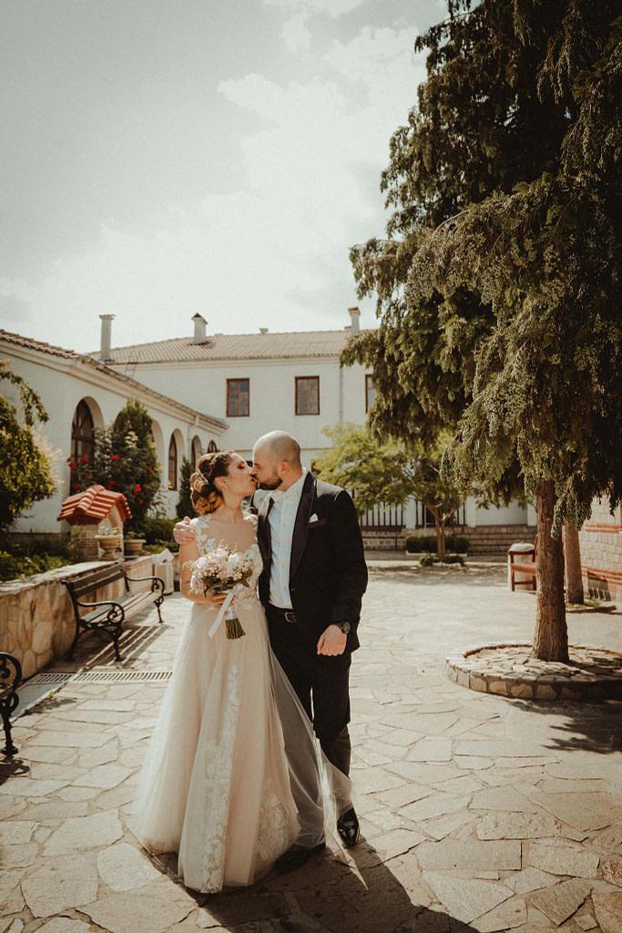 """Сватба в Лозенски манастир """"Свети Апостоли Петър и Павел"""""""